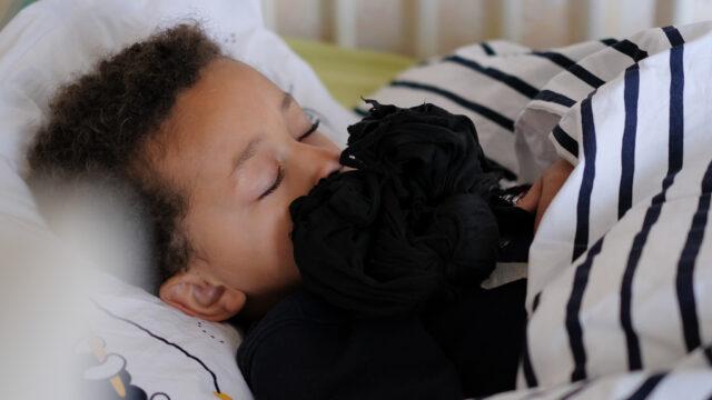mon bébé et son linge de lit bio Wopilo